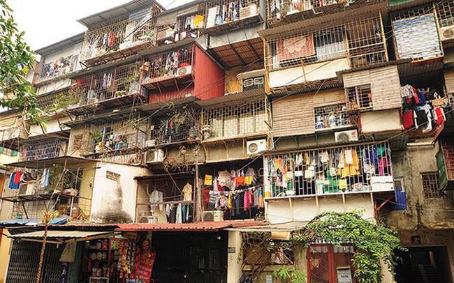Tắc cải tạo chung cư cũ, dân lay lắt trong xập xệ