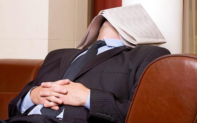 Đây là lí do bạn không nên bỏ qua giấc ngủ trưa: Chợp mắt ít nhất 15 phút mỗi ngày để không còn uể oải và hiệu quả làm việc tăng lên đáng ngạc nhiên