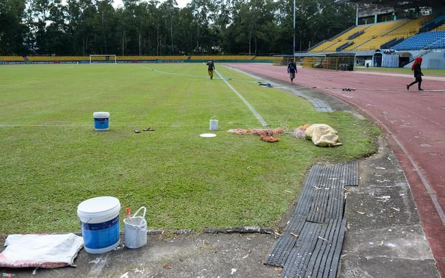 Tuyển Việt Nam đá bán kết AFF Cup trên sân vận động 'cấp huyện'