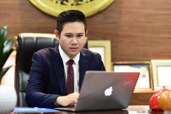 """Ông Phạm Văn Tam gặp khó khi ngồi """"ghế nóng"""" cuộc thi khởi nghiệp"""