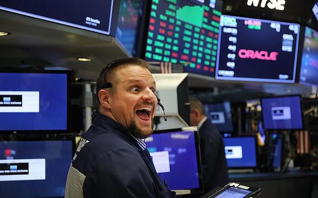 Bất chấp những lo ngại về thoả thuận thương mại, Dow Jones tăng hơn 200 điểm - ảnh 1