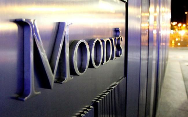 """Moody's điều chỉnh triển vọng hệ thống ngân hàng Việt Nam từ """"tích cực"""" sang """"ổn định"""""""