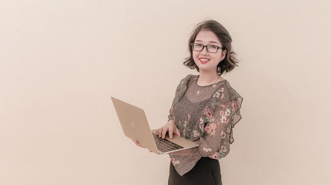 """Nữ thạc sỹ 9x và thông điệp truyền động lực cho người trẻ: """"25 tuổi, mỗi người chính là một tỷ phú?"""""""