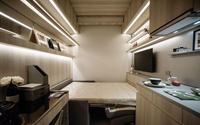 Đua theo cơn sốt xây những căn hộ nhỏ hơn chỗ đậu xe và bán với giá 500.000 USD, nhiều doanh nghiệp bất động sản Hồng Kông đang sa lầy