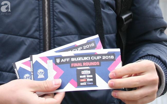 """Vé trận chung kết AFF Cup 2018 tăng chóng mặt, """"cò"""" hét giá 15 triệu/cặp"""