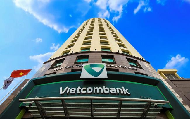"""Vietcombank và một năm """"hốt bạc"""" từ nguồn thu đột biến"""