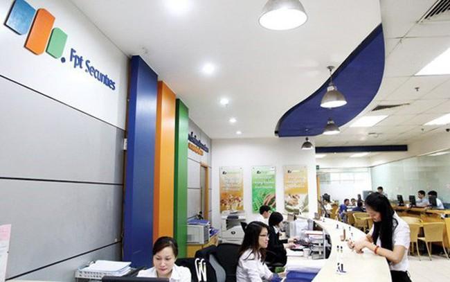 Cổ đông lớn Hưng Phát bán sạch hơn 8 triệu cổ phần Chứng khoán FPT