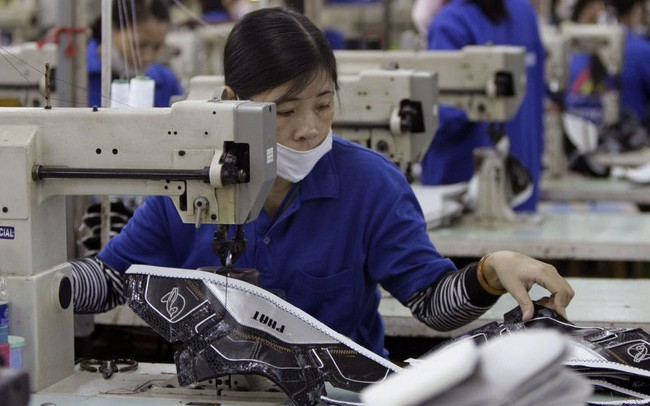 """Chi phí nhân công Việt Nam đắt nhất Đông Nam Á và tương lai của """"công xưởng thế giới"""""""