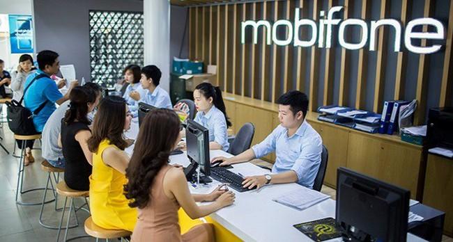 Tặng xe Vinfast 1,8 tỷ cho khách sử dụng mạng Mobifone nạp thẻ