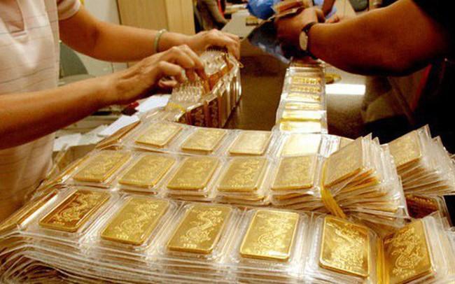 Giá vàng trong nước bật tăng mạnh ngày cuối tuần