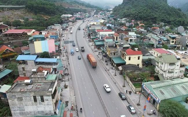 Cận cảnh con đường kết nối hai thành phố lớn nhất Quảng Ninh sau khi được cải tạo