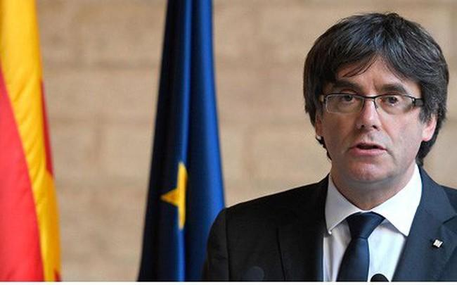 Tây Ban Nha yêu cầu Nghị viện Catalonia tìm người thay ông Puigdemont