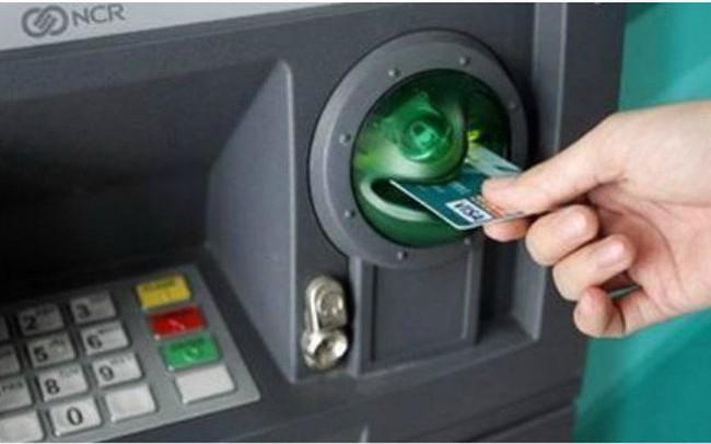 Làm sao để thực hiện giao dịch an toàn và thuận tiện trên máy ATM trong dịp Tết này?