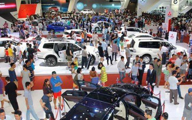 """Thị trường ô tô năm 2018: """"Buồn"""" cho xe nhập khẩu"""