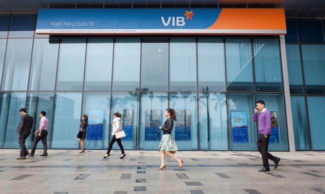 Lãi suất hấp dẫn, khách hàng lựa chọn ngân hàng nào để gửi tiền?