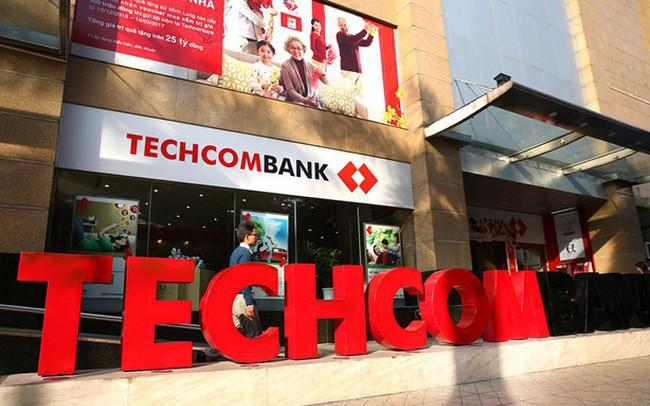 Techcombank đặt mục tiêu 10.000 tỷ lãi trước thuế 2018, niêm yết trên HoSE - ảnh 1