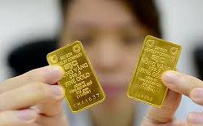 Bất ngờ giá vàng trong nước rẻ hơn thế giới