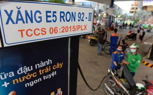 Thứ trưởng Bộ Công thương nói gì về yếu điểm trong công tác điều hành giá xăng dầu?