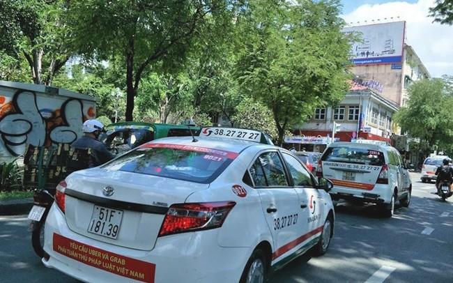 """""""Đại chiến taxi"""", Vinasun kiện Grab: Hãy để tòa án phán quyết!"""
