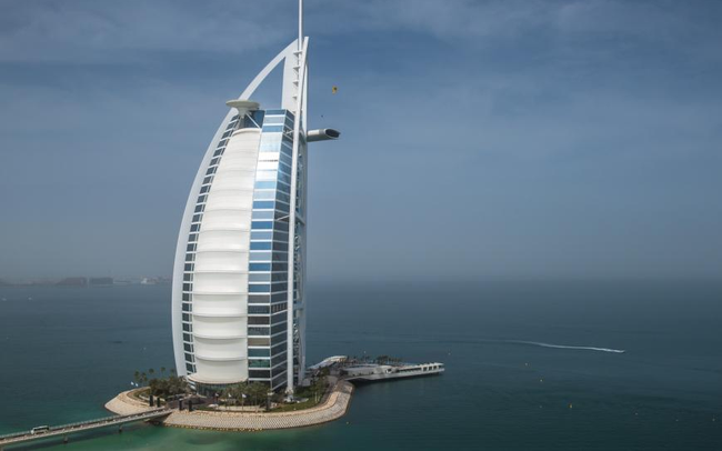 Trải nghiệm dịch vụ siêu sang của khách sạn 7 sao duy nhất trên thế giới