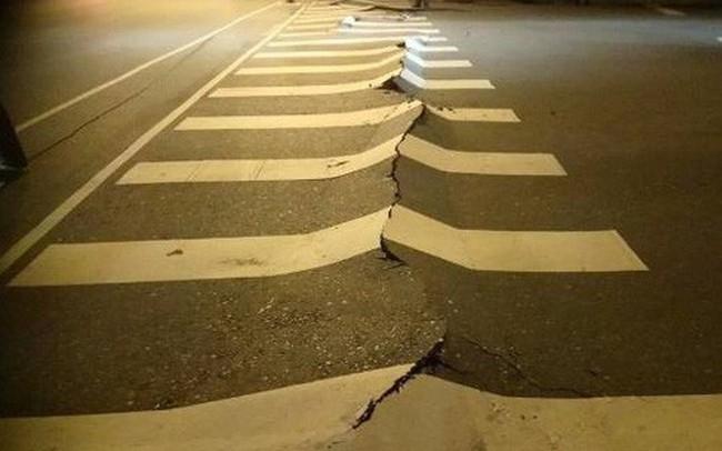 Động đất kinh hoàng ở Đài Loan, hơn 100 người thương vong