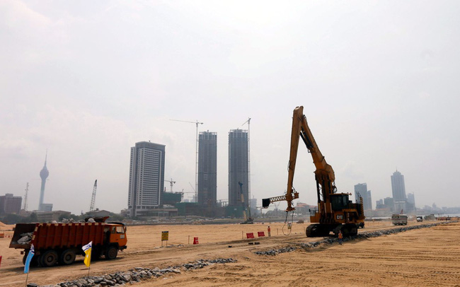 8 nước có nguy cơ rơi vào 'bẫy nợ' của Trung Quốc