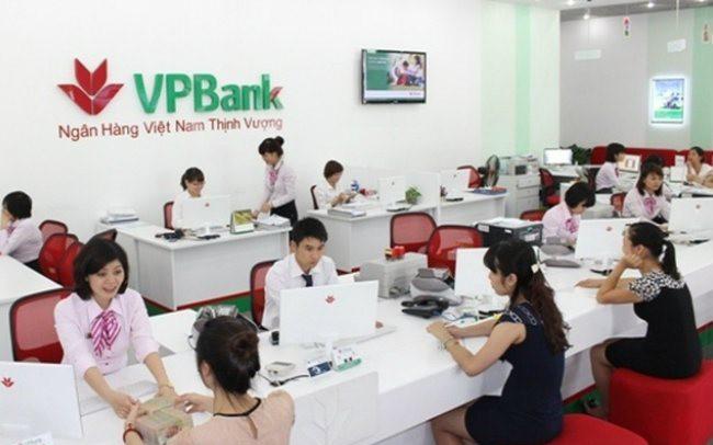 """Cổ đông VPBank chuẩn bị """"ngập"""" cổ tức và cổ phiếu thưởng"""