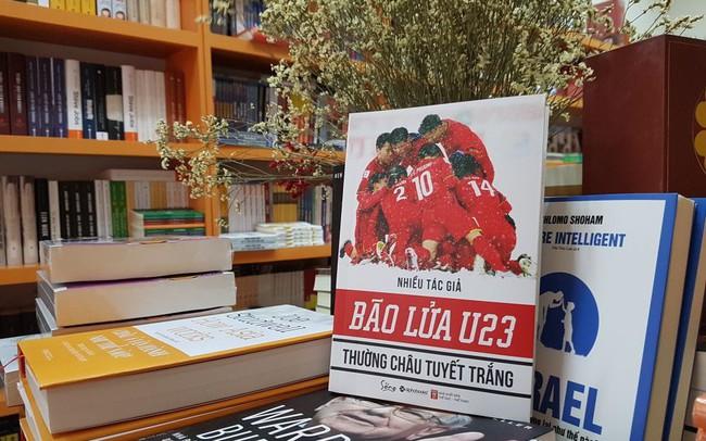 """Trận đấu lịch sử của U23 Việt Nam được xuất bản thành sách: Những """"người hùng sân cỏ"""" truyền cảm hứng cho cả một thế hệ trẻ"""