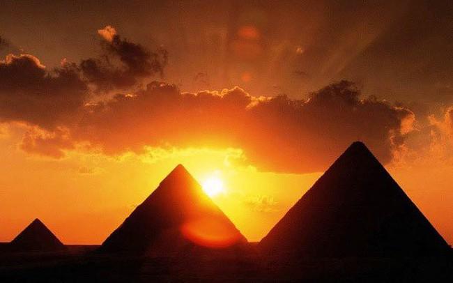 """Bằng cách sử dụng sơ đồ """"kim tự tháp"""", bạn có thể khám phá mục tiêu cuối cùng trong cuộc sống của bản thân"""