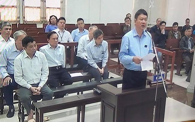 Sau lưng là bản án 13 năm, trước mặt là mức đề nghị 18-19 năm, ông Đinh La Thăng mong được xem xét công bằng