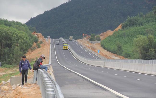 Cao tốc Vân Đồn - Móng Cái sẽ có mặt bằng sạch toàn tuyến trước 20/9/2018