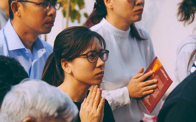 Cư dân Carina làm lễ cầu siêu, tưởng nhớ 13 nạn nhân tử vong trong vụ cháy kinh hoàng