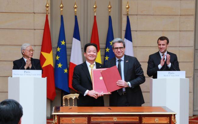 Bầu Hiển bắt tay với tập đoàn xây dựng của Pháp đầu tư dự án đường sắt đô thị số 3 và Sân vận động Hàng Đẫy