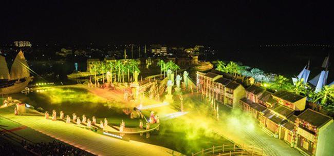 Nhiều nghệ sỹ nổi tiếng đến Hội An thưởng thức show diễn thực cảnh lớn nhất Việt Nam