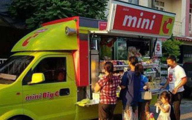 Độc chiêu mới của BigC: Mở quầy hàng di động ngay trên phố, bán rẻ ngang trong đại siêu thị, có thể len lỏi tới mọi ngõ ngách