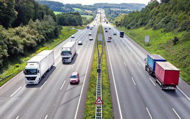 Chính phủ thống nhất làm một số đoạn cao tốc Bắc - Nam