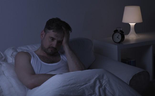 Mệt mỏi vì trằn trọc hàng đêm: Đọc ngay những phương pháp điều trị chứng mất ngủ hiệu quả, không cần dùng tới thuốc này!