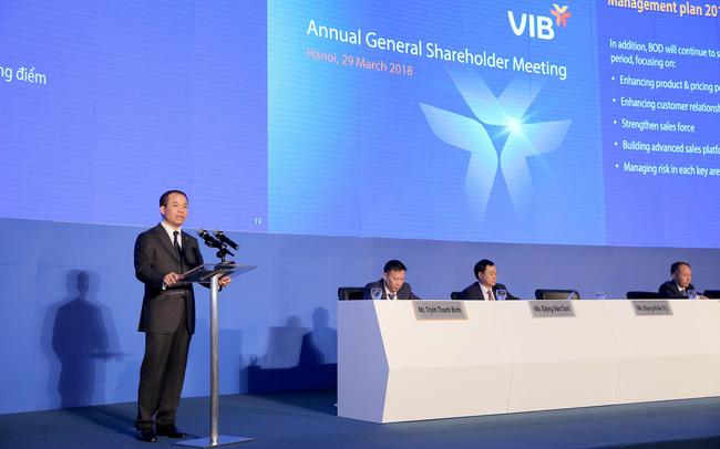 ĐHCĐ Ngân hàng VIB: Cổ đông hỏi chủ tịch VIB Đặng Khắc Vỹ bao giờ thành tỷ phú trên sàn chứng khoán