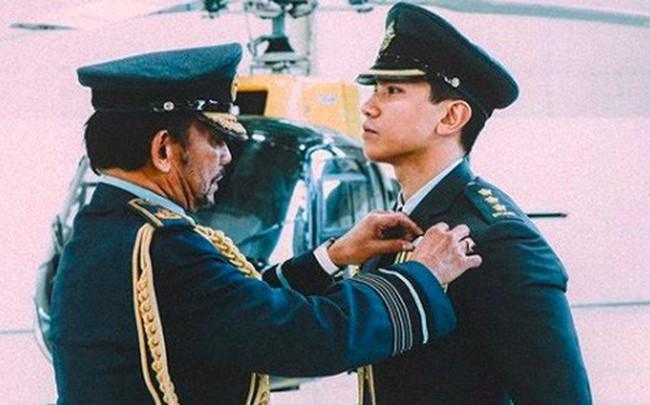 """Thêm những hình ảnh mới về cuộc sống hoàn hảo của """"cực phẩm hoàng tử"""" Brunei"""