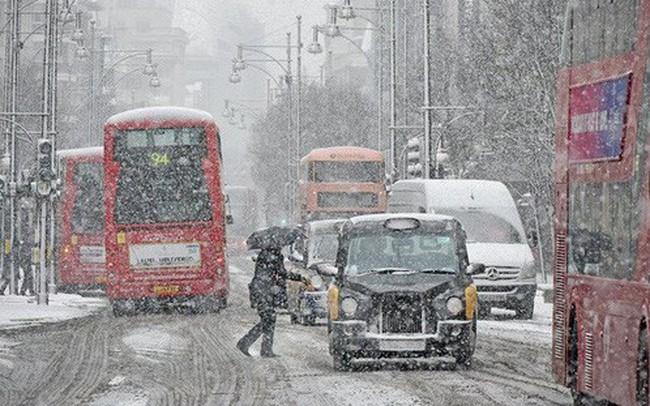 Kinh tế Anh thiệt hại 1,4 tỷ USD một ngày vì siêu bão tuyết