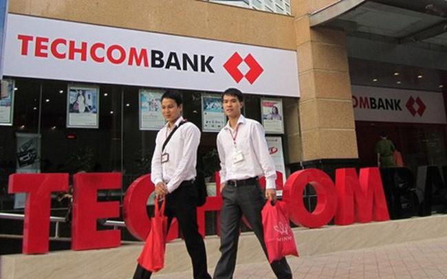 Thị giá hơn 100.000 đồng, những ai ở Techcombank được mua cổ phiếu ESOP giá chỉ 10.000?