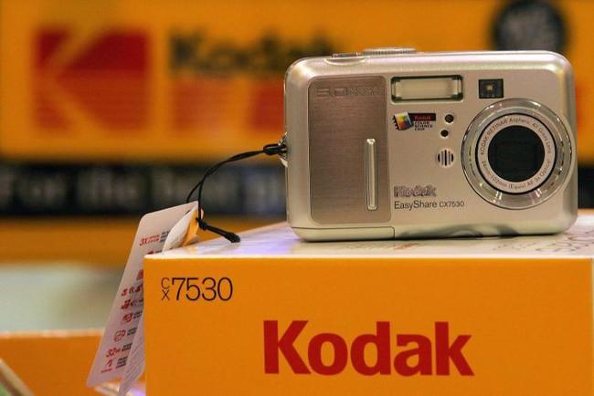 Hãng máy ảnh Kodak phát hành đồng tiền số Kodakcoin, cổ phiếu đang chết lập tức hồi sinh tăng 253%