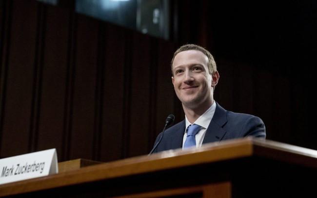 Vì sao Mark Zuckerberg dễ dàng thoát hiểm sau 5 tiếng điều trần tại Thượng viện Mỹ?