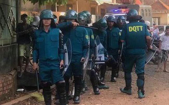 Người dân tiếp tục vây kho điều tiền tỷ, 20 công an đứng ngoài bảo vệ