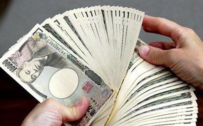 VND mất giá đáng kể so với các ngoại tệ khác ngoài USD