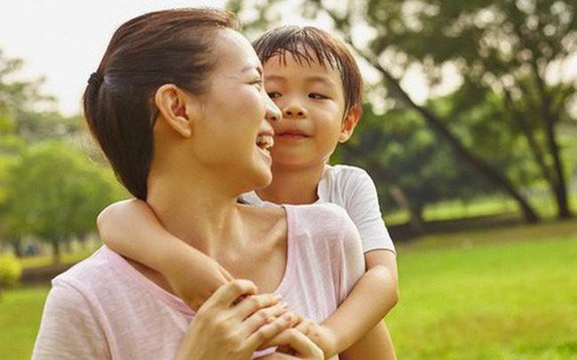 Chỉ 5 phút mỗi ngày làm việc siêu đơn giản này, bạn đang tạo nên một khác biệt lớn cho con