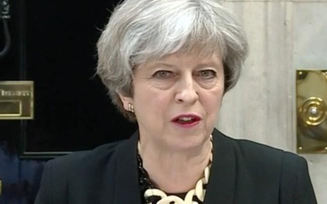 """Bà May nói về cuộc tấn công vào Syria: """"Nước Anh không thể làm ngơ lâu hơn được nữa!"""""""