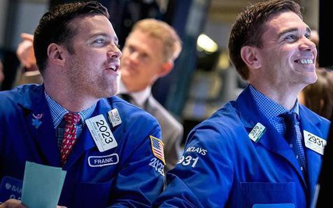"""Phiên 16/4: Khối ngoại mua ròng hơn 100 tỷ trên toàn thị trường, tập trung """"gom hàng"""" VPI, HDB"""