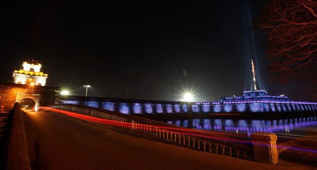 Đèn LED mỹ thuật tạo sức sống mới cho Kỳ Đài Huế