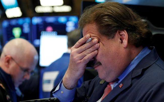 """Những """"đầu tàu"""" khiến vốn hóa sàn HoSE bốc hơi hơn 5 tỷ USD kéo theo VN-Index giảm 44 điểm"""